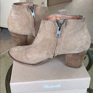 MADEWELL~ Size 7 suede ankle booties
